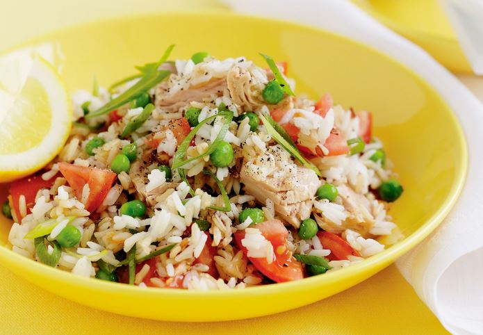 Recipe for tuna and rice salad, a popular and delicious salad