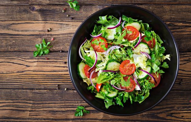 Recipe of Multi-Nut Green Salad with Crouton
