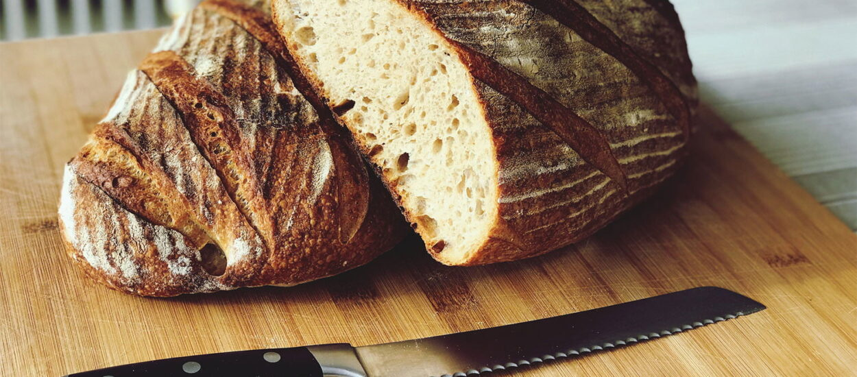 Baking Bread Guide for starters: Ideas and Must-Have Tools