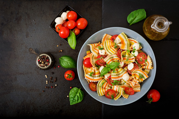 Recipe for pasta salad with chicken curry, a different salad with a delicious way
