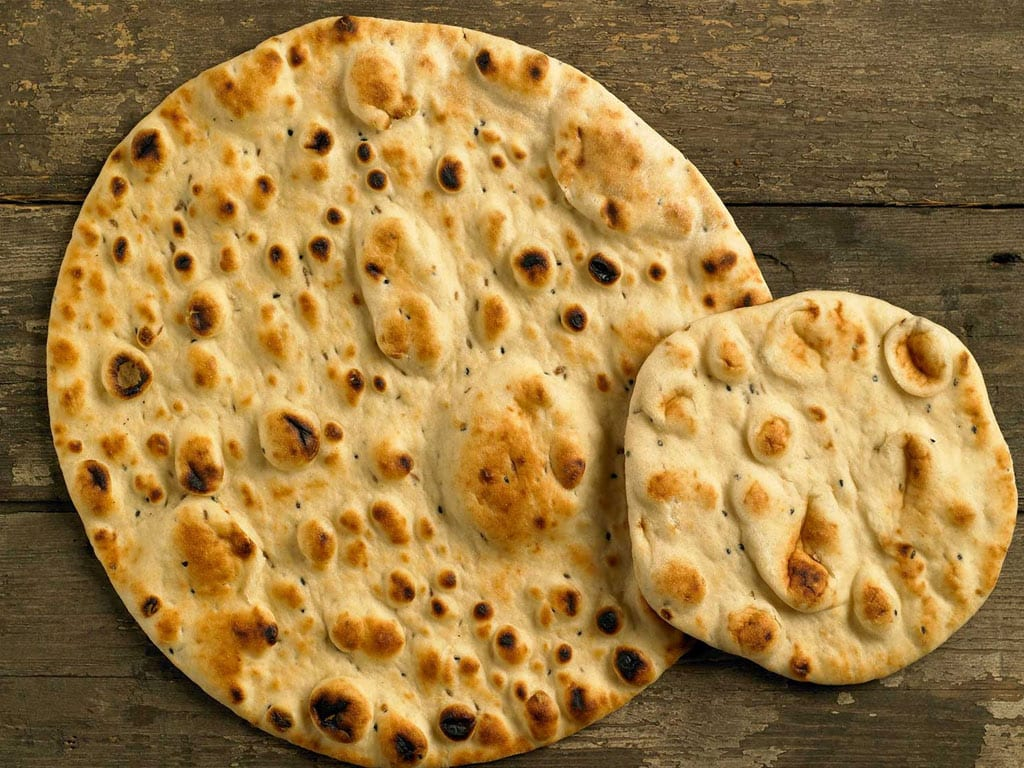 How many types of breads are baking in Iran?
